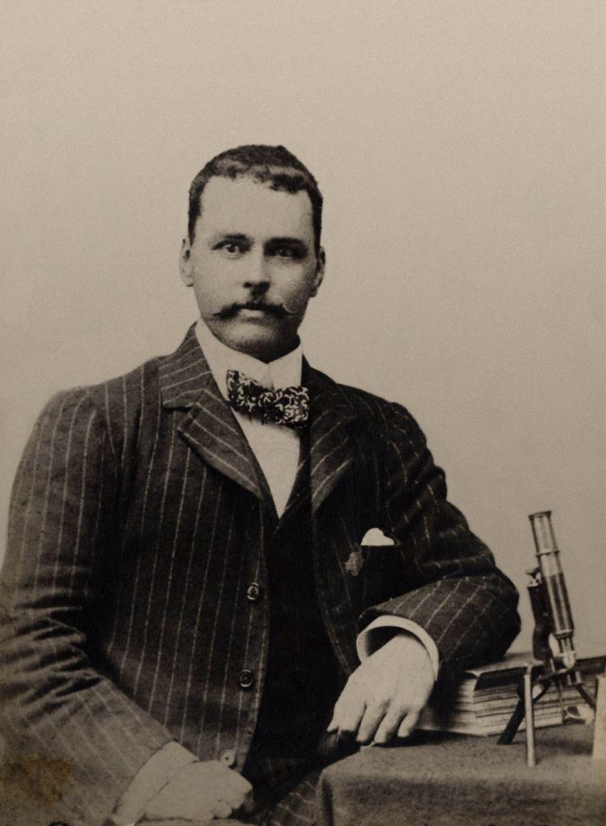 Рональд Росс (1857-1932), открыватель неизвестной части жизненного цикла малярийного паразита внутри организма комара-анофелеса