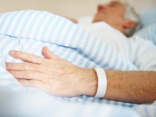 Старики в больнице картинки
