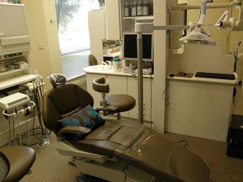 На Ставрополье дантист-самозванец удалил женщине 13 зубов