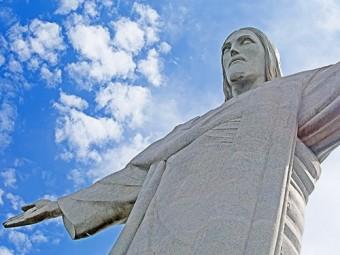 десятки бразильских медучреждений прекратили прием пациентов