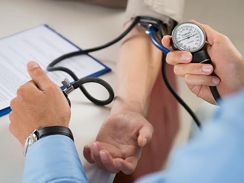 Мед. работники советуют снижать даже «нормальное» давление