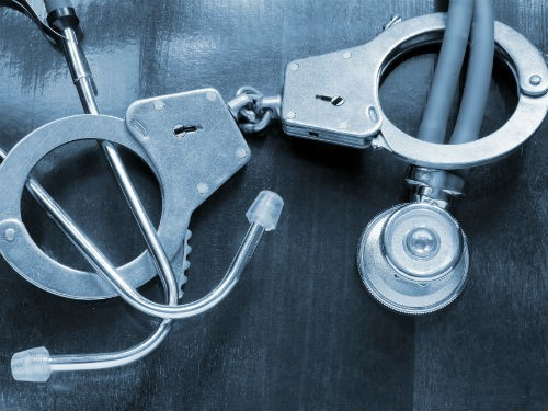 Работа врача ливии