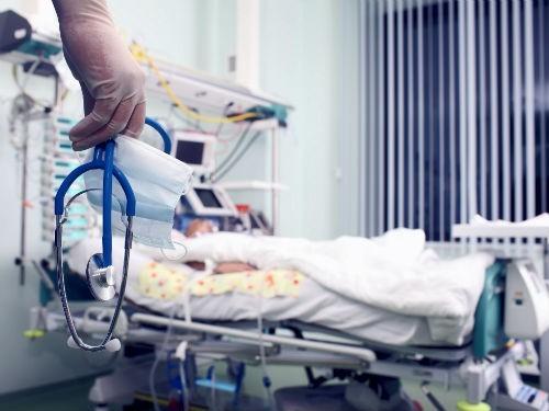 В Омской области врача обвиняют в смерти подростка