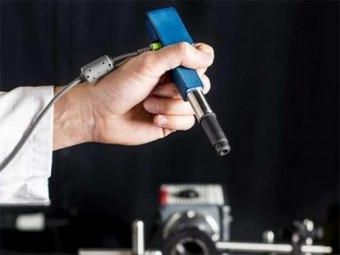 микроскоп размером ручку упростит проведение операций головном мозге