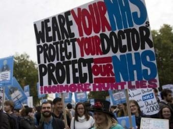тысячи операций отменены великобритании забастовки молодых врачей