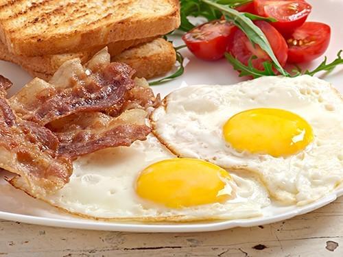 Завтрак стимулирует полных людей вести более активный образ жизни