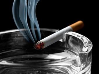 курение провоцирует боли шее