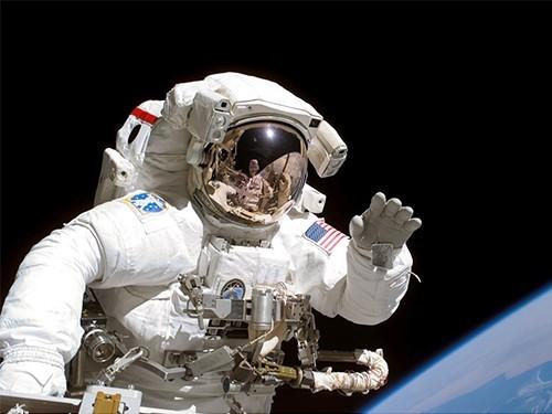 Космонавты часто страдают отболей вспине