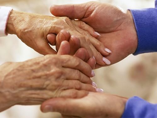Учёные назвали 1-ый симптом болезни Альцгеймера