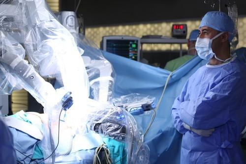 Русские ученые разработали альтернативу роботу-хирургу DaVinci