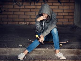 бедные подростки хуже развиваются хорошие родители компенсируют