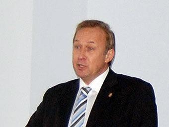 Ректора НГМУ обвинили в злоупотреблении полномочиями ...: http://medportal.ru/mednovosti/news/2011/04/11/rektor1/