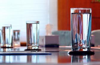 Как првильно пить воду чтобы похудеть: 7 главных правил
