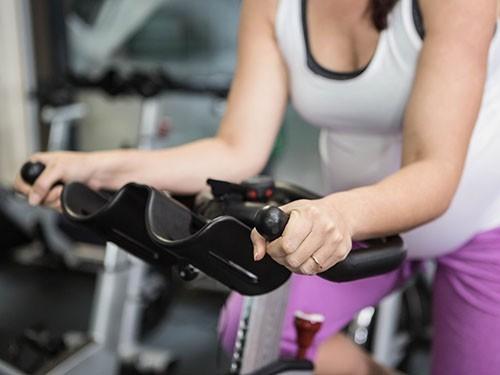 Упражнения вовремя беременности облегчают роды